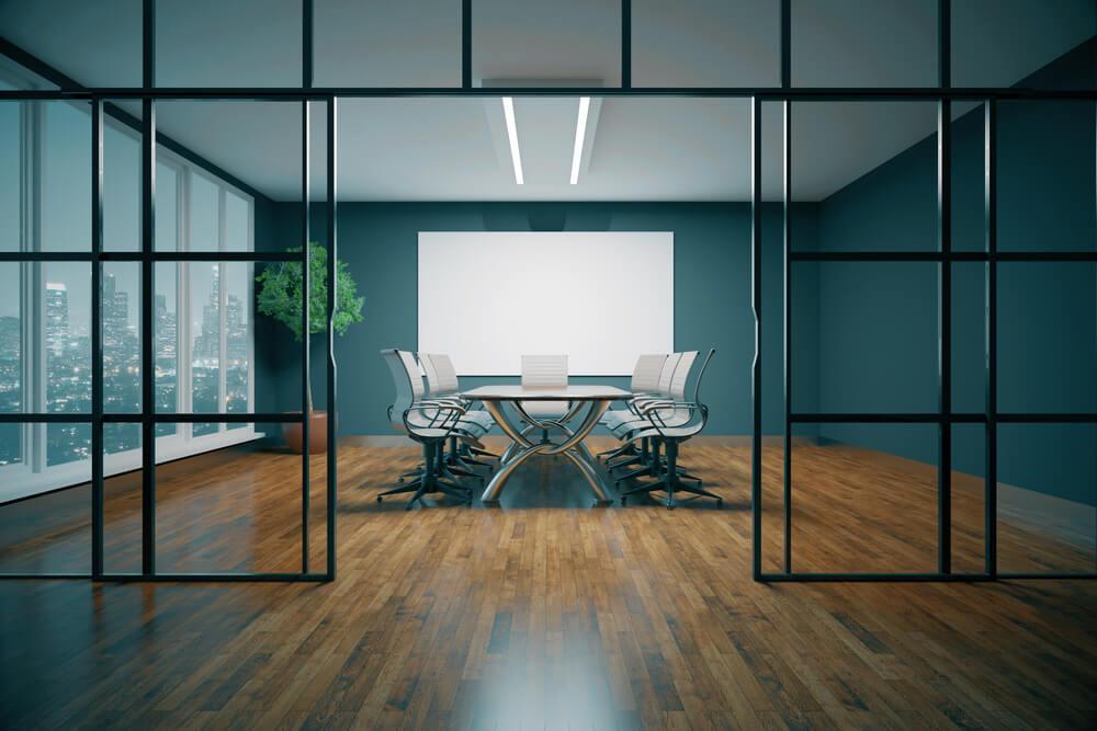 Divisórias piso-teto: o que são e quais seus benefícios?